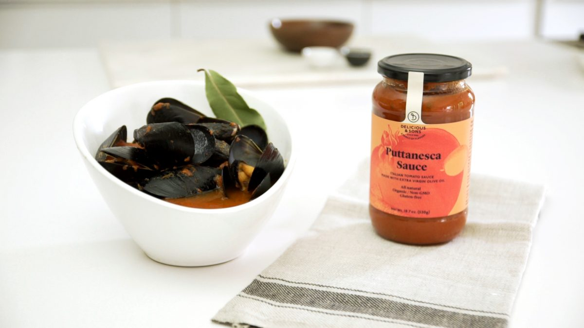 mussels spicy tomato recipe image