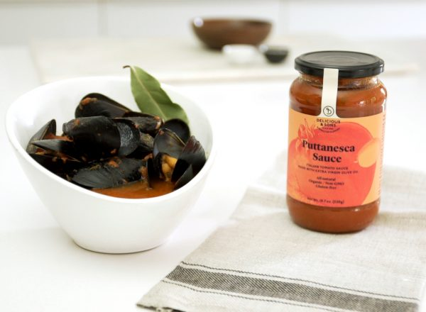mussels in spicy tomato recipe image by delicious & sons