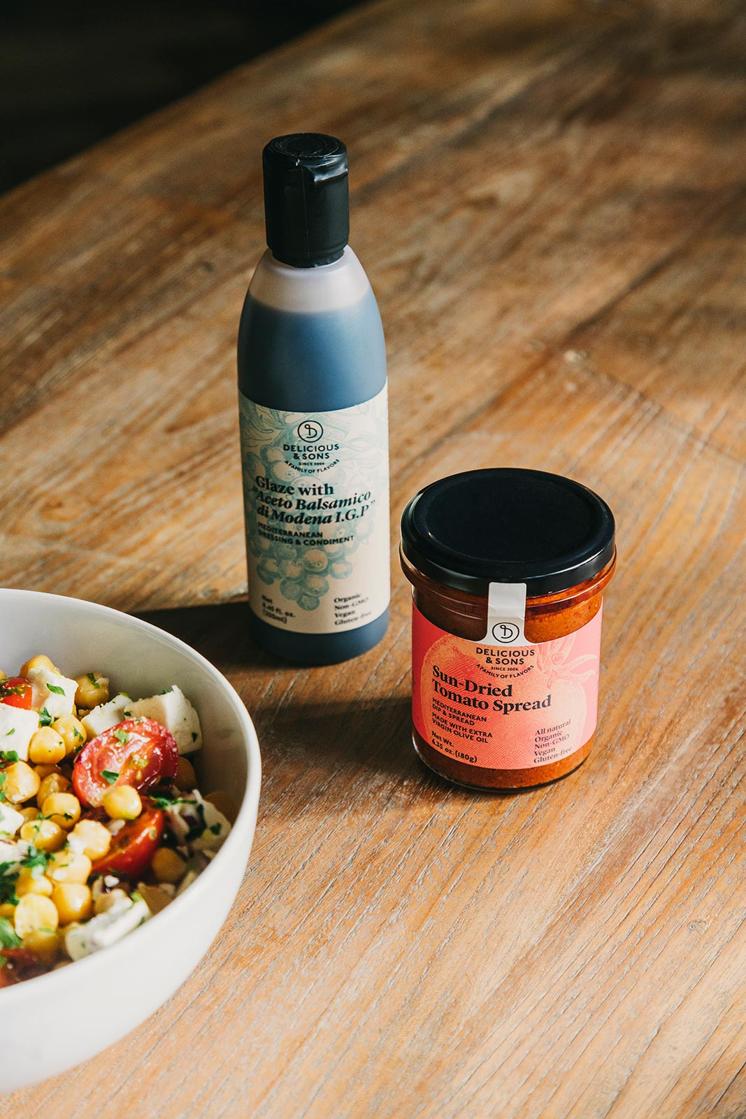 Greek style chickpea salad with sun-dried tomato — Delicious & Sons