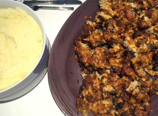thanksgiving-mashed-potatoes-stuffing