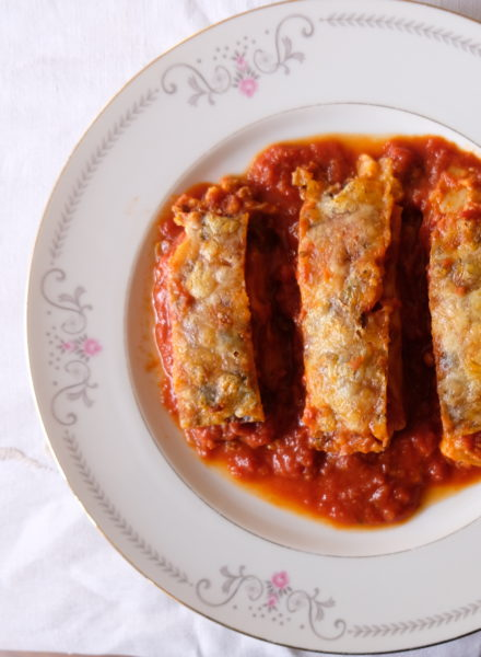 spinach-pine-nutt-cannelloni-tomato-olive-sauce