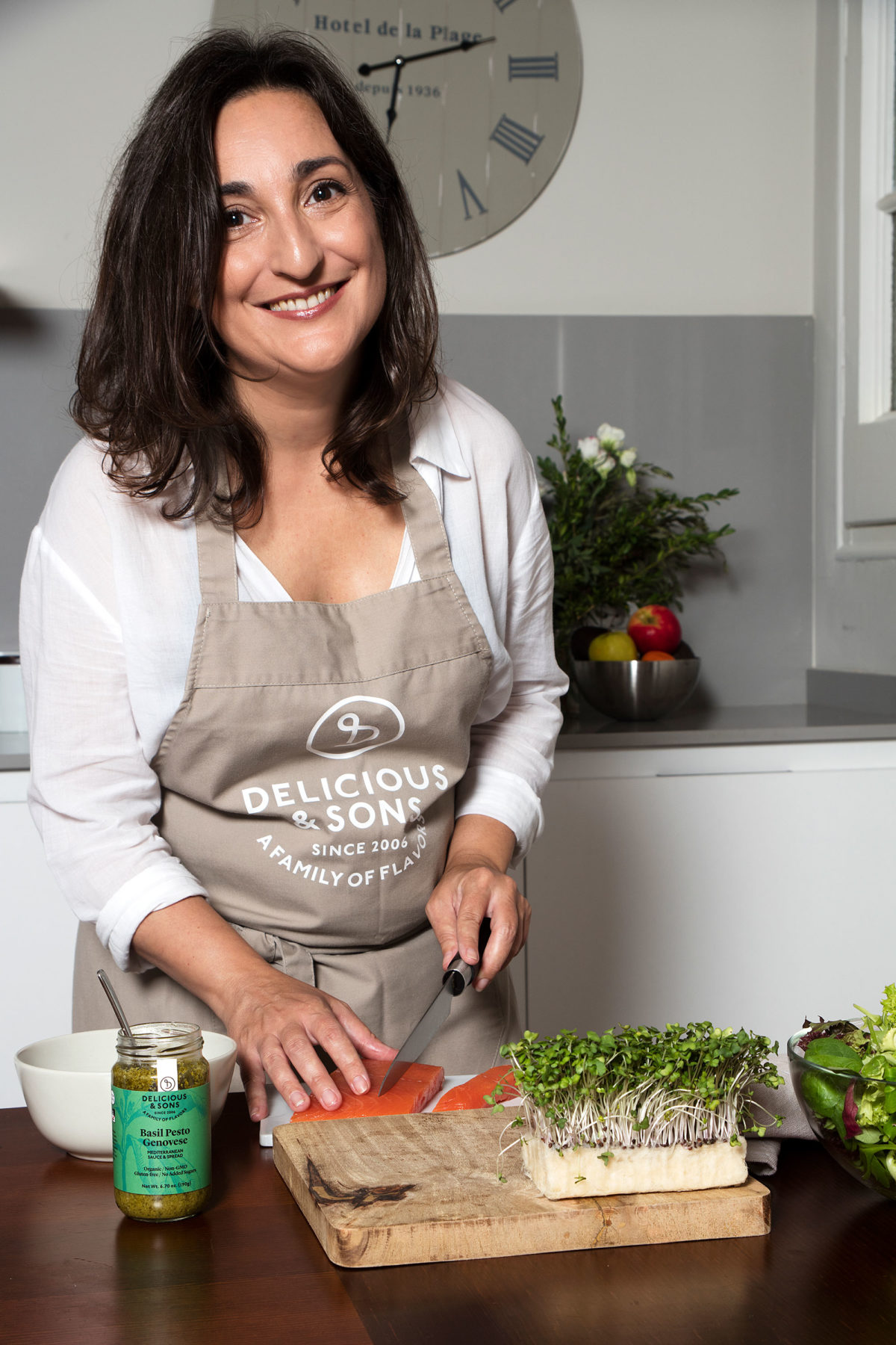 Smoked Salmon Pesto Salad by Isabel Tutusaus — Delicious & Sons