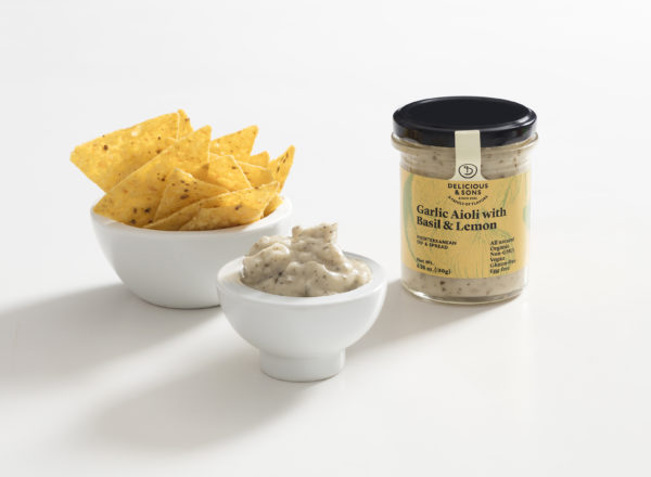 dip-aioli-basil-lemon-tortilla-chips