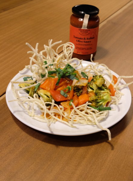 Vegtable-tomato-stir-fry-crispy-noodles-by-Ricky-Mandle