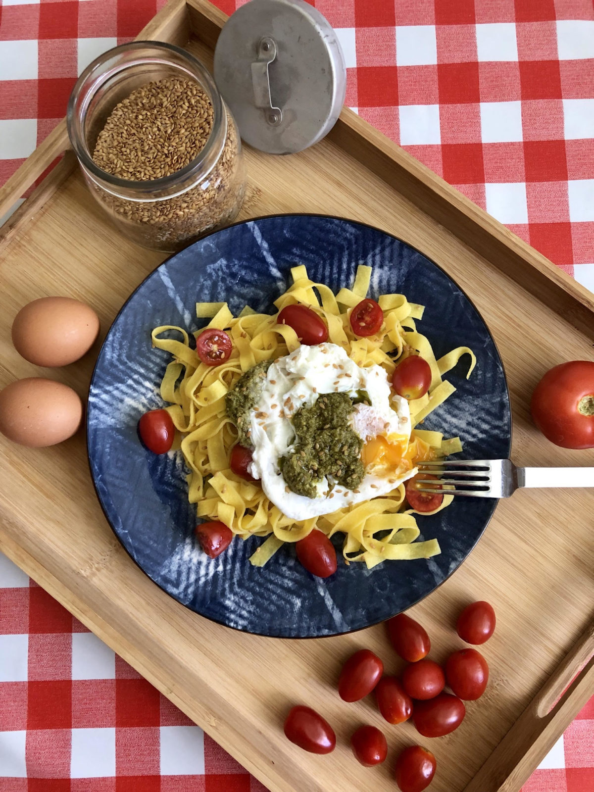 Pasta with Poached Egg and Pesto by Beatriz Nieto – The Healthy Foodie — Delicious & Sons