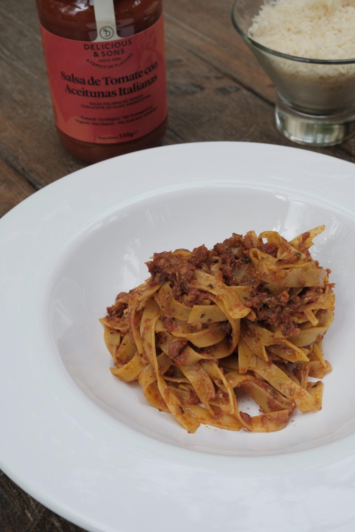 Vegan Bolognese Pasta — Delicious & Sons