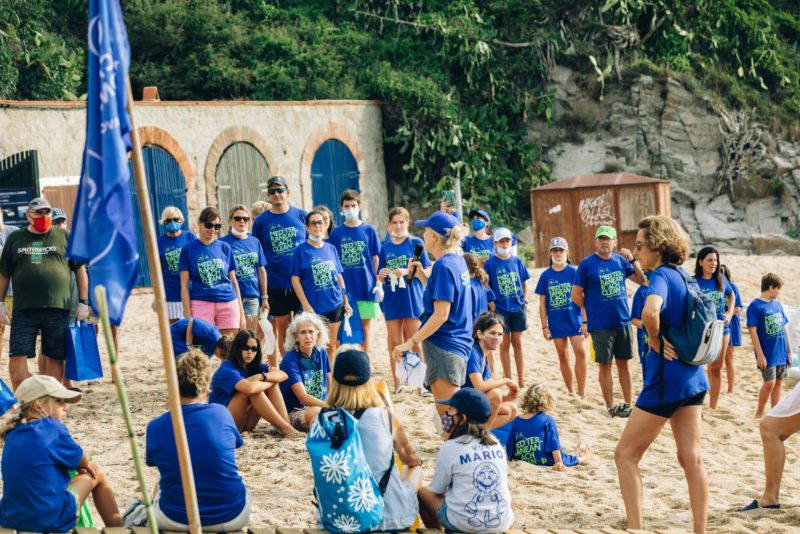 Delicious-and-Sons-beach-cleanup
